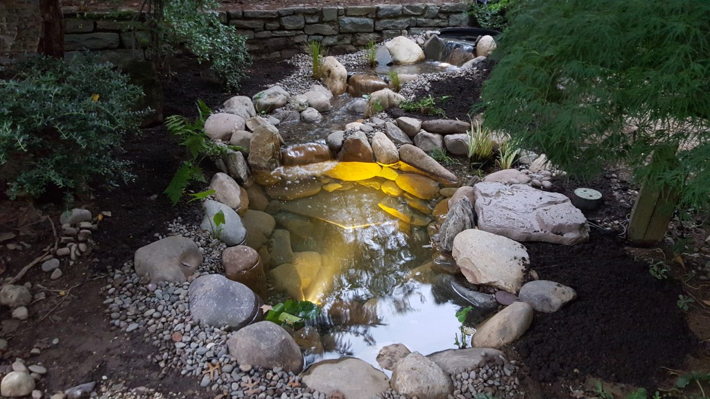 How to choose the best stone for your pond: River Rocks